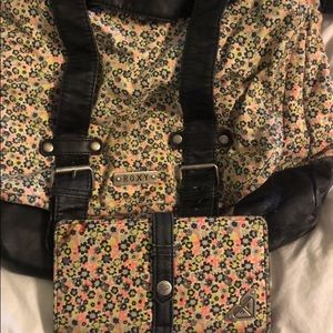 Roxy Crossbody with matching wallet